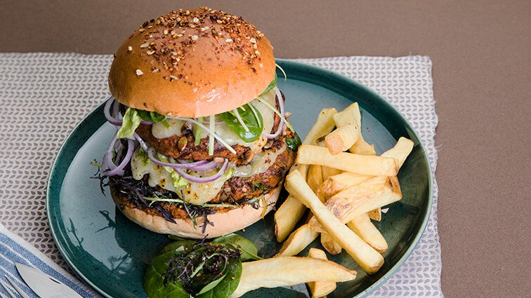 Burger vegetarien au soja, cheddar, sauce mangue coco curry - 2167 - PassionFroid - Grossiste alimentaire